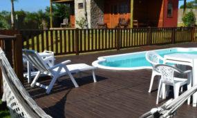 Qual a melhor opção de hospedagem na Praia do Rosa?