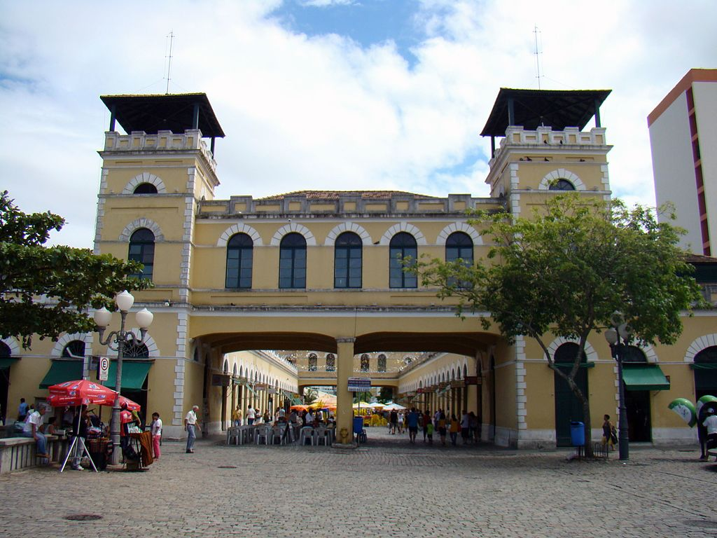 mercado-publico-florianopolis-praia-para-viajar-familia-hotel-rossoma-praia-do-rosa