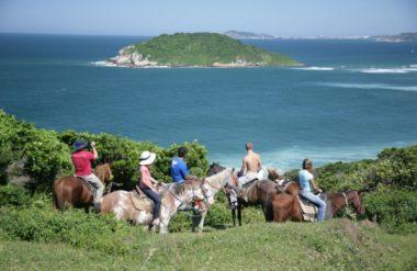 Praia para viajar com a família em Santa Catarina