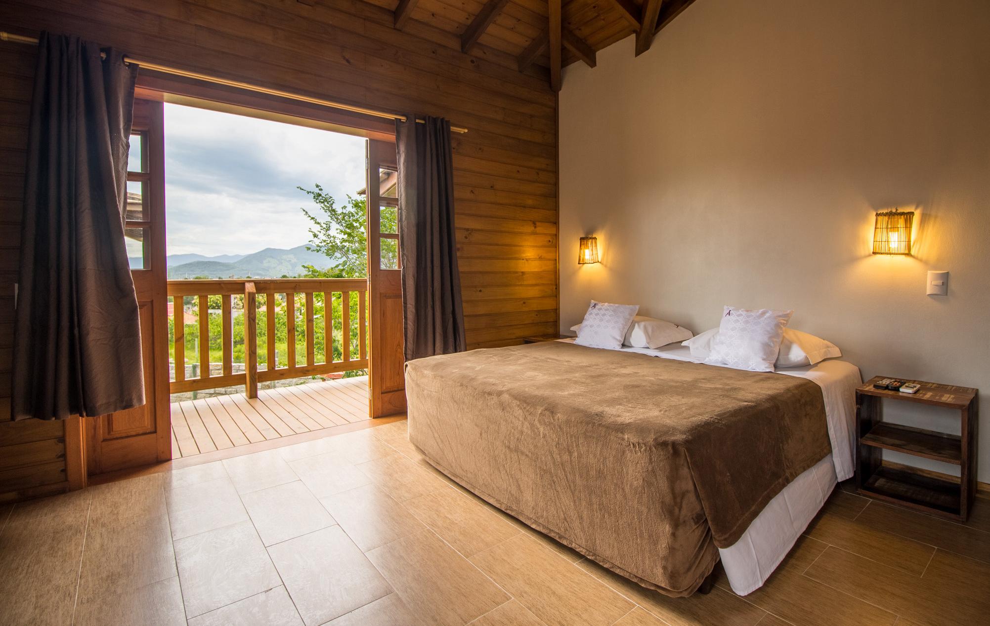 hotel-rossoma-pousada-na-praia-do-rosa-santa-catarina-cama-casal