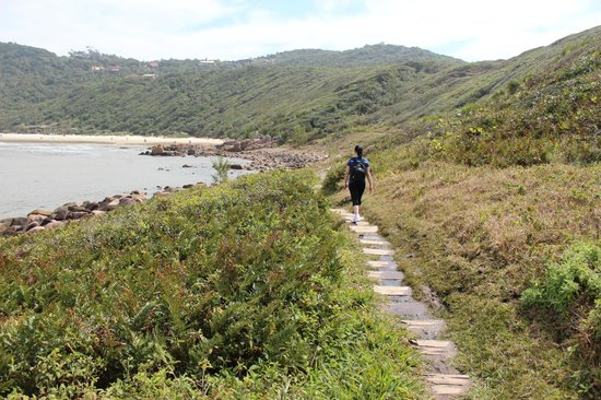 trilhas-praia-do-rosa-hotel-rossoma